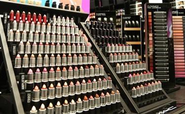 化妆品店铺都长得差不多 非得如此吗?