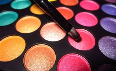報告:彩妝持續領跑快消品成長 遭剁手品牌越來越高端