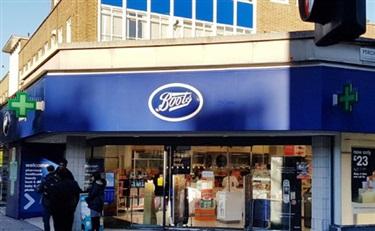 思亲肤入驻世界最大的连锁店Boots英国店铺