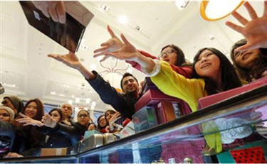 """""""中国力量""""发力化妆品市场 拉近与外资品牌距离"""