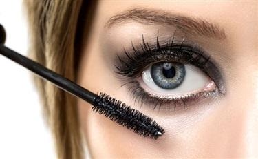 爆料:眼影含刺激性 欧莱雅、美宝莲、丝芙兰等均上榜