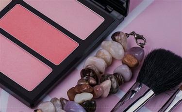 海蓝之谜也要出彩妆,找了三位彩妆师当品牌大使