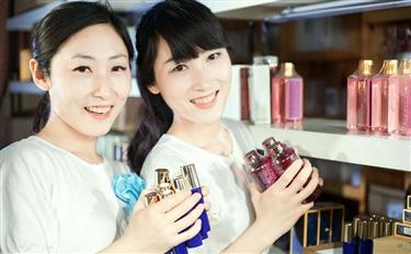 前11月化妆品零售额达2285亿 线上渗透率逐渐提升