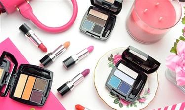 """化妆品线下销售首次出现""""双降"""" 渠道格局生变"""