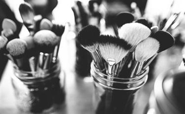 来自巴黎的最新化妆品包材创新设计 涨涨知识吧