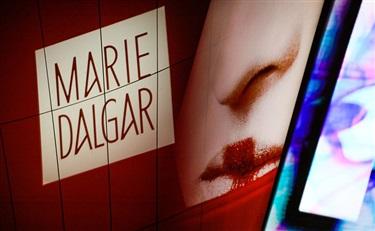 """10年,玛丽黛佳和崔晓红的眼睛里只有""""人"""""""