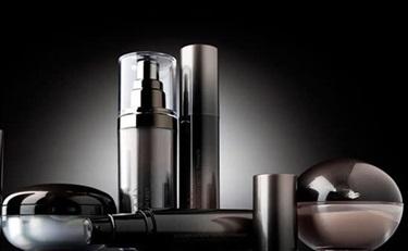 外资化妆品集体降价 本土企业如何接招?