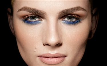 Andreja Pejic 代言Make Up For Ever美妆广告