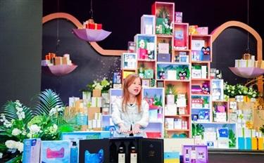 天猫双11将发售2万款创意化妆品,自然堂、兰蔻等纷纷出招