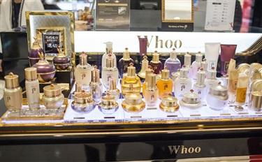 面对经济不景气,韩国化妆品企业积极增加广告费投入