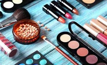 高端难进 国产化妆品争夺大众市场