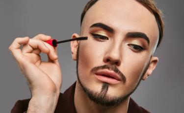 2019年全国化妆品零售额将超2700亿 男性开始购买彩妆