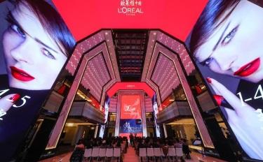 亞太區超530億/蘭蔻全球賣了200多億…斯鉑涵透露了5個關鍵點