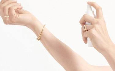 """美妆品牌爱上更年期,避而不谈""""抗衰老""""话题"""