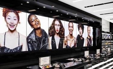店员涉嫌歧视黑人歌手 丝芙兰宣布全美关店培训