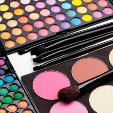 天津口岸上半年进口化妆品1.57亿元 增长44.24%