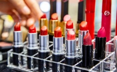 为企业减负 上海药监局拟推化妆品抽检买样制度