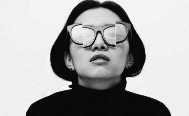 Percy Lau:从古灵精怪的眼镜设计师,到国风彩妆品牌创意总监