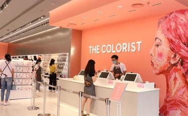 完美日記零售店 VS THE COLORIST 調色師,兩店齊開哪家香?