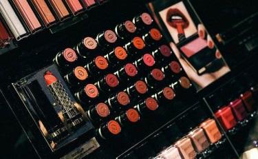 不卖服装做美妆,原来这些品牌早已推出自己的美妆产品