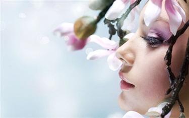 从香水到彩妆再到护肤品 化妆品成奢侈品牌新宠