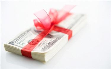 化妆品店老板该怎样给员工发放奖金?