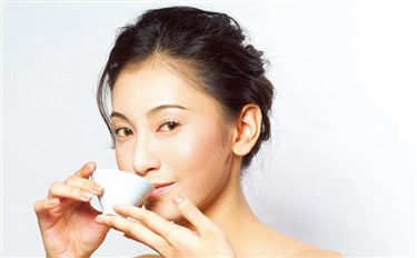 能吃的化妆品就是安全的吗?并不是!