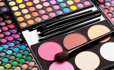 听说做好彩妆能让业绩猛涨  代理商你们准备好了吗