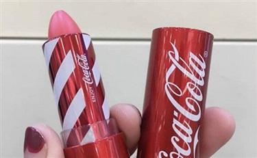 可乐味的口红眼影来一打 The face shop x Coca Cola