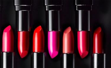 雅诗兰黛集团高端专业彩妆品牌BOBBI BROWN今日入驻天猫
