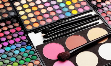 线下实体店困境重重,彩妆品牌应该如何帮助门店破局?