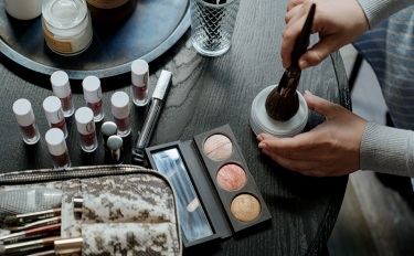 彩妝套餐漲188.27%、口紅香水超5成,七夕之下這些品類暴增 | 8月數據