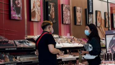 北美大量化妆品被检出PFAS,国内的使用情况和法规监管如何?