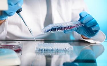 """缺乏监管的""""干细胞""""美容行业,智商税生生不息"""