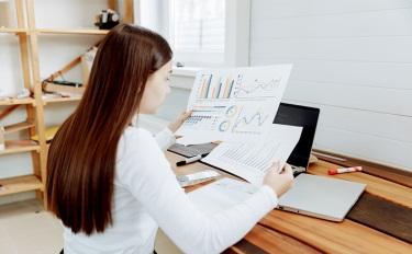 """从20多份财报看上半年美业变化,行业更""""卷""""了?"""